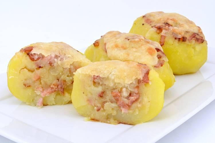 Patatas rellenas de bacon