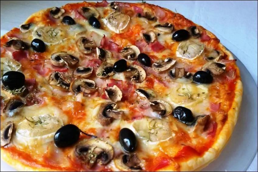 Pizza de hojaldre con queso de cabra