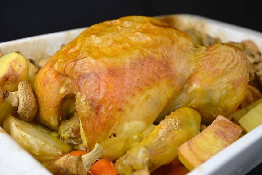Receta de pollo asado al brandy con su guarnición