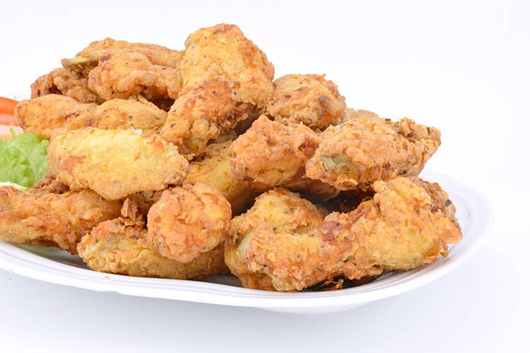 Pollo frito al estilo Cajún, crujiente y sabroso