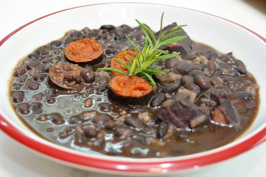 Potaje de alubias negras con arroz