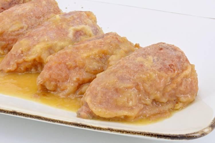 Receta de pimientos rellenos de carne con salsa de cebolla