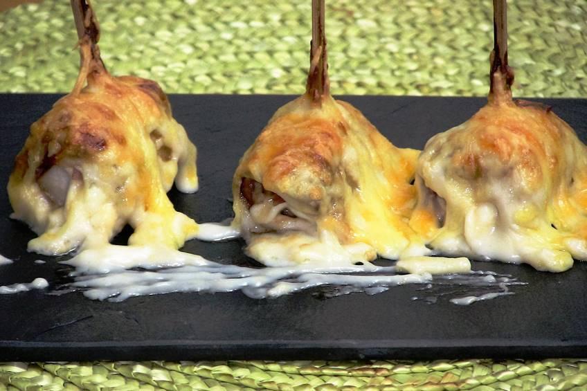 Rollito de berenjena con jamón y hongos