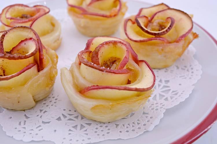 Rosas de manzana y hojaldre, postre fácil y muy estético