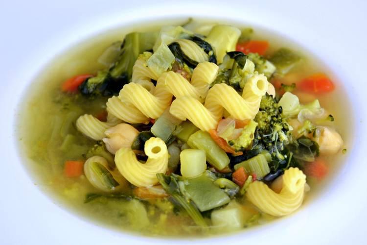 Sopa de verduras para dieta
