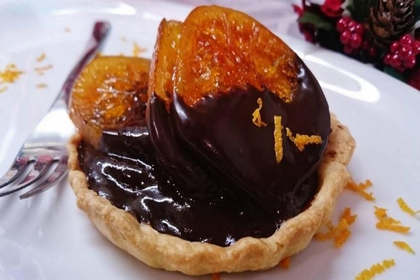 Tartaletas de chocolate con mandarinas