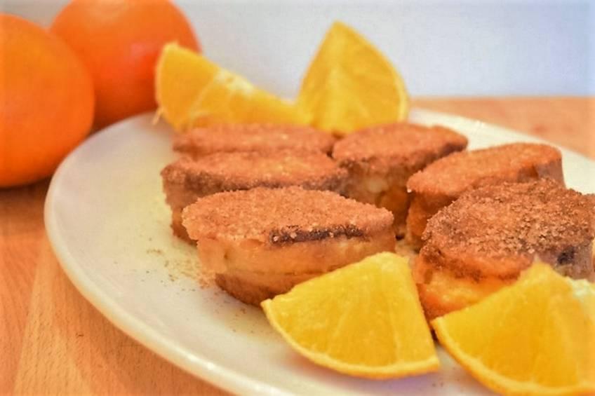 Torrijas rellenas con crema de naranja