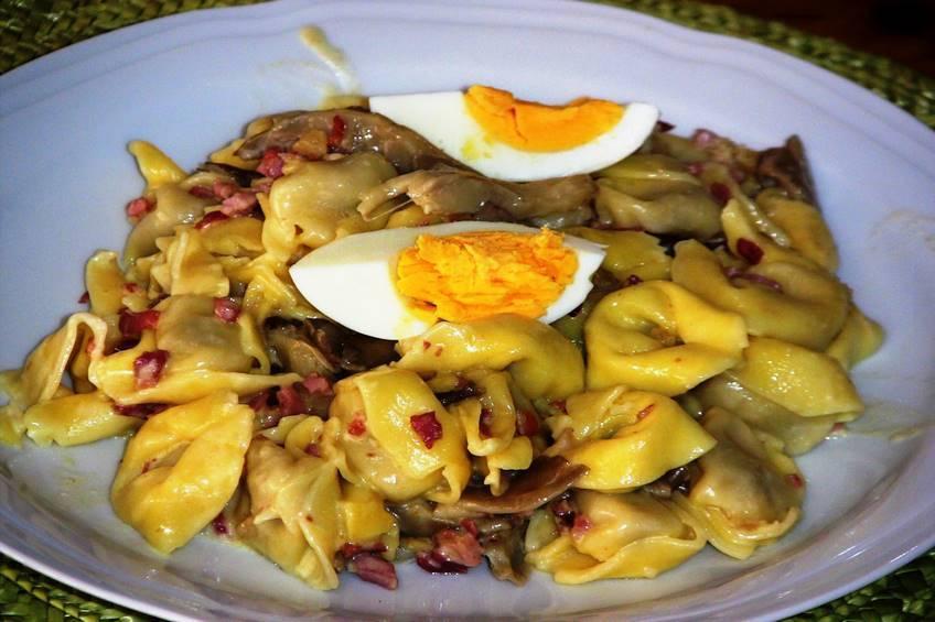 Tortellini con setas, receta casera
