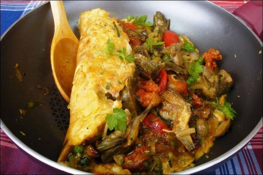 Tortilla de verduras con chorizo