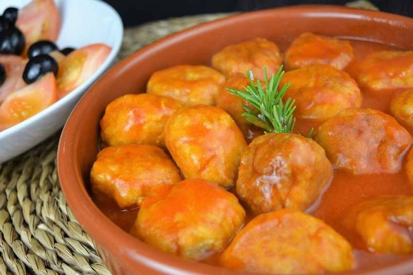 albondigas-de-pollo-con-tomate.jpg