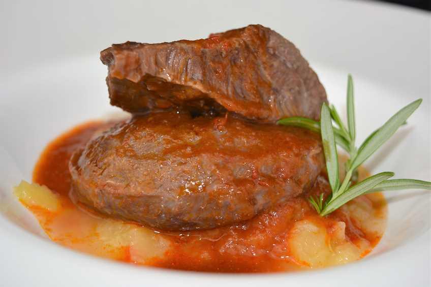 carrilleras-de-cerdo-con-salsa-de-rioja.JPG