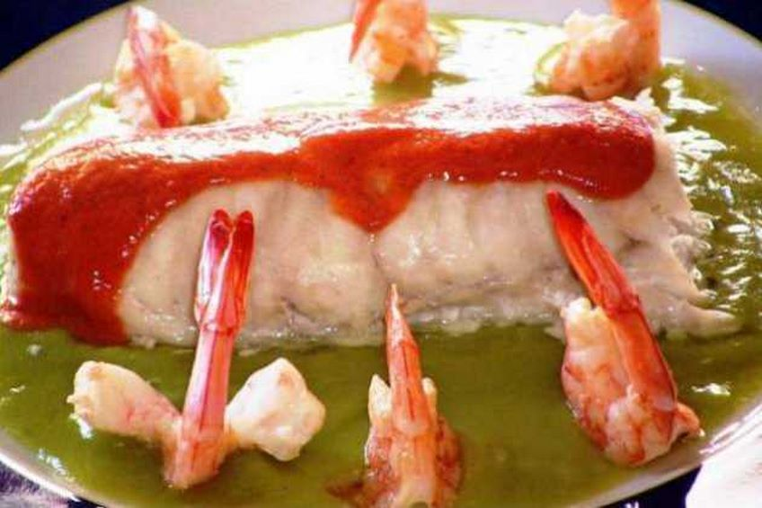 merluza-dos-salsas-con-langostinos.jpg
