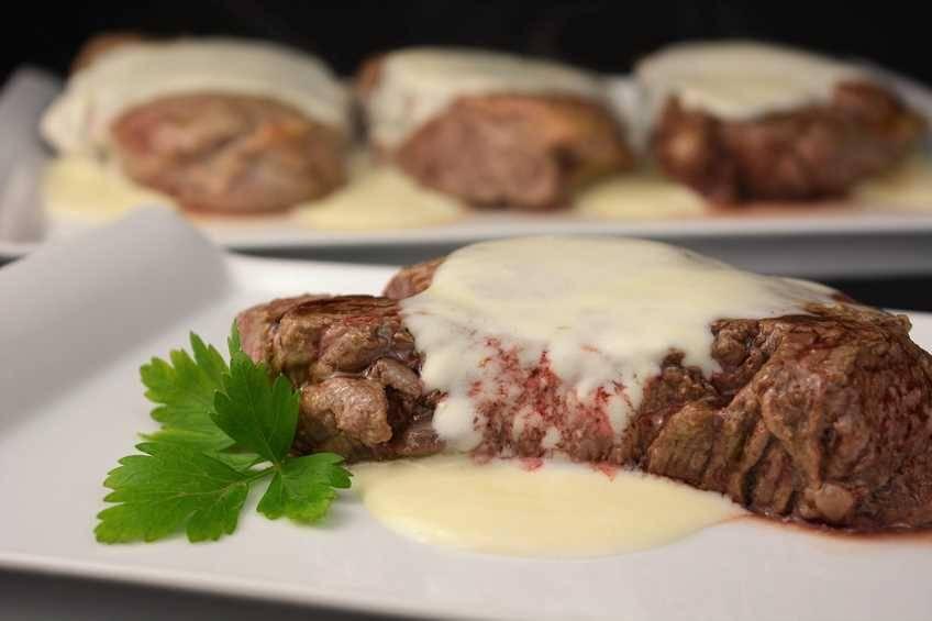 solomillo-con-salsa-roquefort.jpg