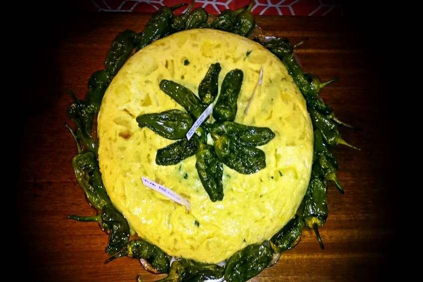tortilla-corona-pimientos-1-1024x610.jpg